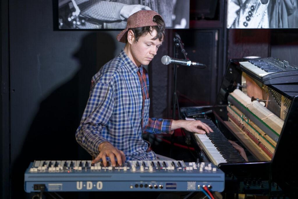 Dominic j Marshall